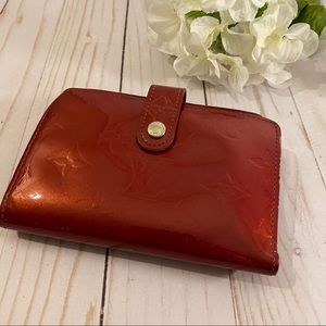 Louis Vuitton red Vernis kisslock compact wallet